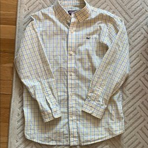 EUC Vineyard Vines button down shirt